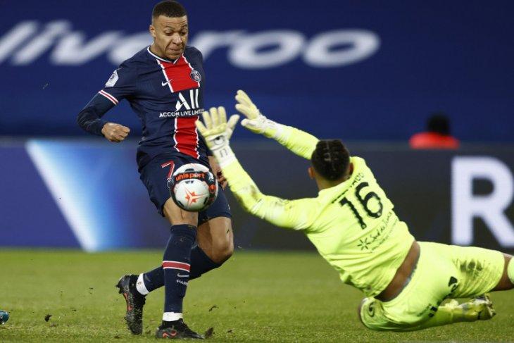 Dua gol Kylian Mbappe bantu PSG lumat Montpellier 4-0