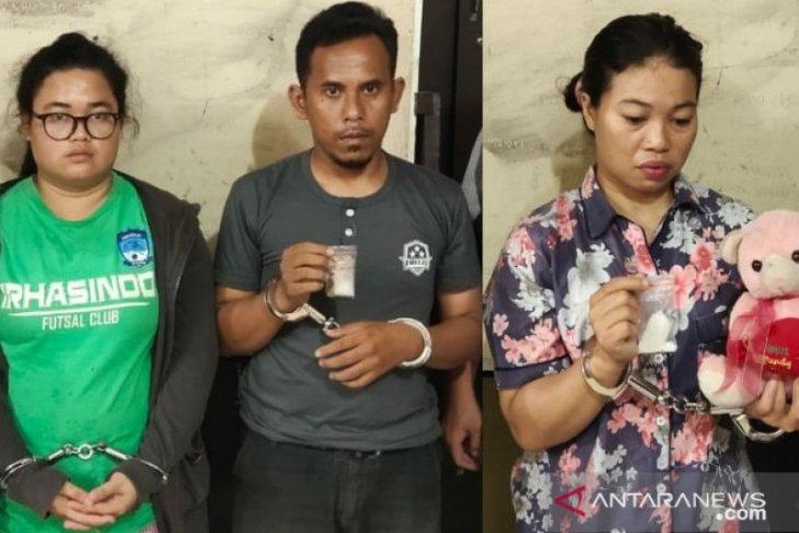 Pasutri dan ipar jadi bandar narkoba ditangkap Satres Narkoba Tanjungbalai