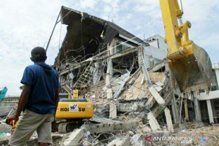 Korban meninggal akibat gempa di Sulbar capai 105