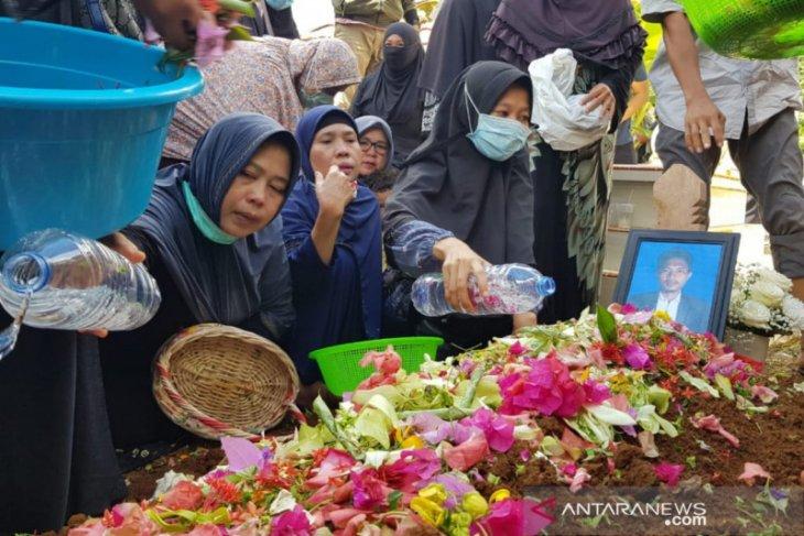 Dilepas ikhlas keluarga, korban Sriwijaya Air asal Lubuklinggau dimakamkan