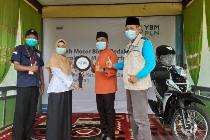 YBM PLN Kalbar bedah rumah warga Sambas penyandang tunanetra