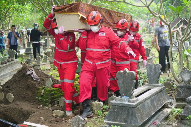 Number of COVID-19 deaths increasing, cautions task force