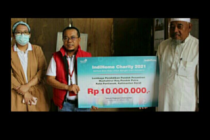 Telkom Kalbar salurkan Charity Indihome 2021