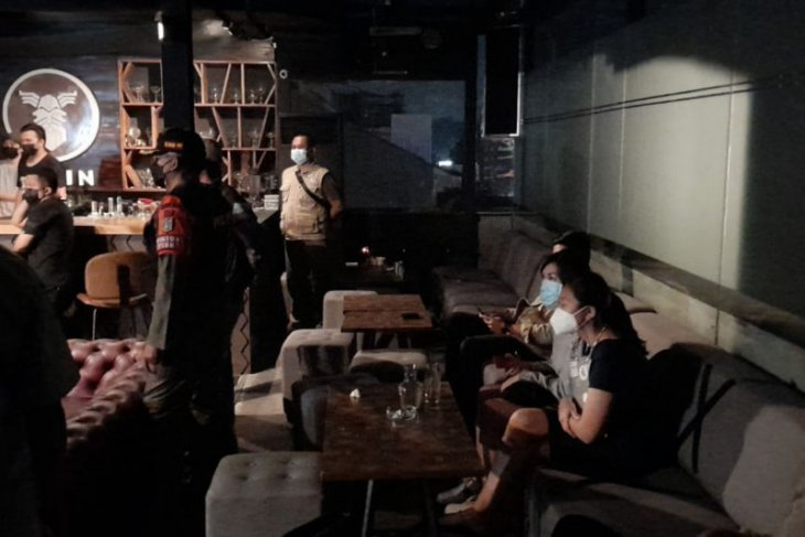 10 pasangan mesum di Pinang Ranti terjaring razia saat PSBB