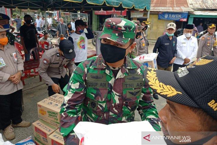 TNI perbaiki tanggul sungai jebol di Aceh Tamiang