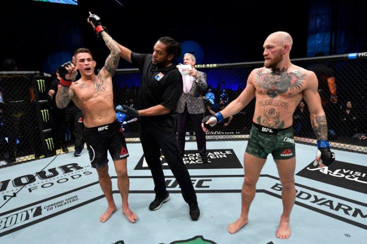 Poirier pukul KO  McGregor dalam pertarungan UFC