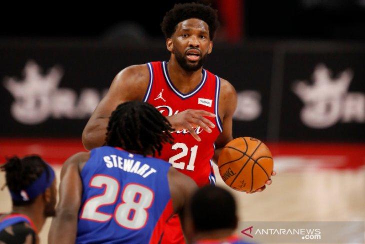 Sumbang 33 poin, Joel Embiid bantu 76ers tumbangkan  Pistons 114-110