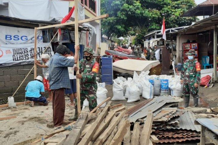 Kodam Merdeka karya bakti pemulihan pascabanjir Manado