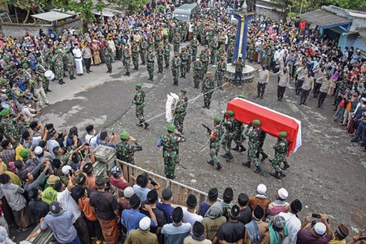 Pemakaman anggota TNI yang gugur di Papua