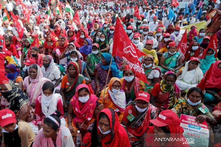 Ribuan petani di India mogok makan protes UU pertanian baru