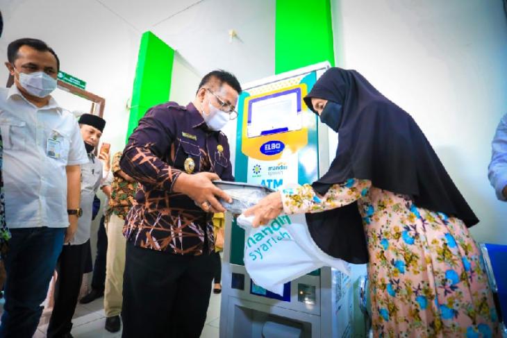 Banda Aceh luncurkan ATM beras untuk warga kurang mampu