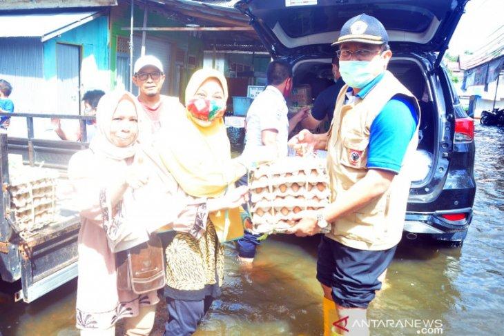 Rektor ULM salurkan bantuan untuk korban banjir