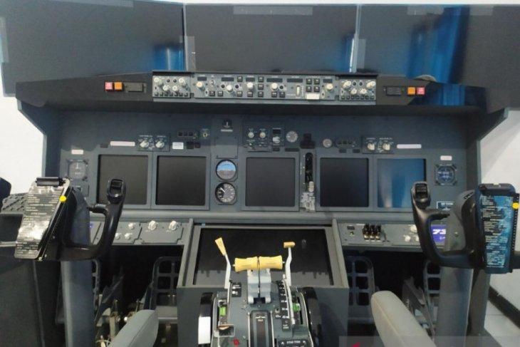 SMK Penerbangan Cakra Nusantara Denpasar miliki Simulator Boeing 737-800 NG-K