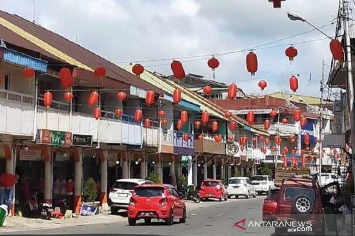 Kota Singkawang pasang ribuan Lampion meriahkan Imlek