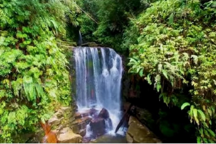 Wisata alam air terjun Aek Nabobar potensi wisata Tapteng yang luar biasa