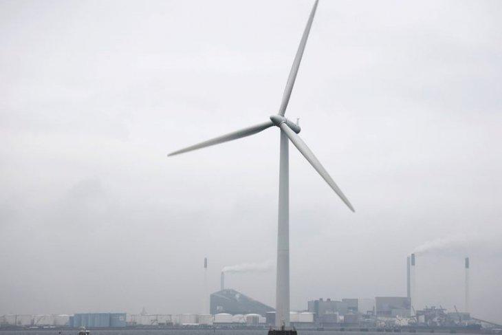 Kini era energi terbarukan mengambil alih bahan bakar fosil