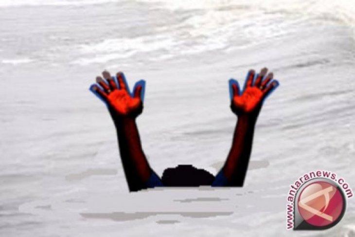 Libur Lebaran, empat anak tenggelam di pantai Batahan