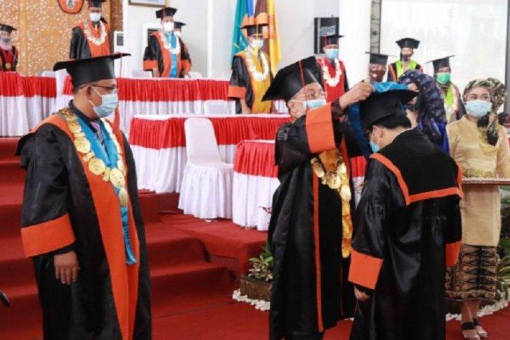 Masih secara daring, Rektor Unja wisuda 966 mahasiswa