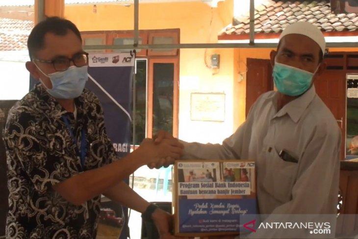 BI salurkan bantuan untuk korban banjir Wono Asri Jember
