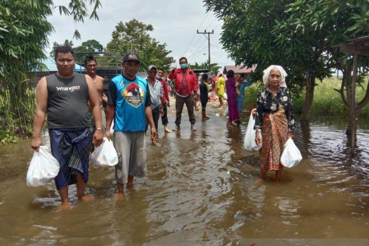 Bantuan kemanusiaan soksi kepada korban banjir HST Kalsel