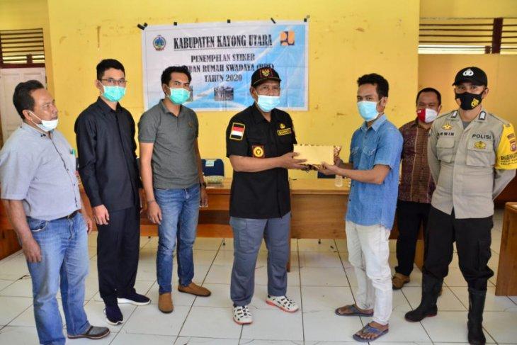 Pemkab Kayong Utara dan Yayasan Asri gelar baksos di Karimata