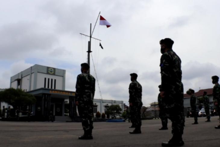 Lantamal XII Pontianak salurkan bantuan untuk korban bencana di Sulbar