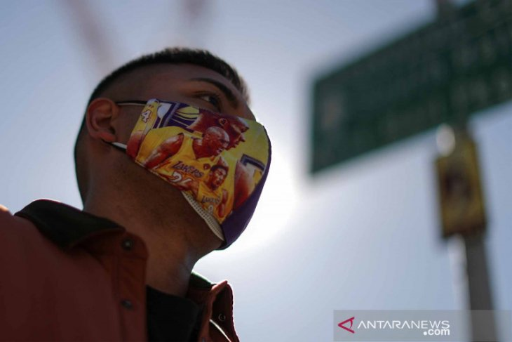 Ternyata orang Amerika masih butuh masker untuk lawan COVID pada 2022