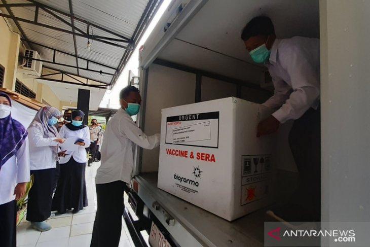 3.240 dosis vaksin tiba di Batanghari, besok 14 tokoh disuntik perdana