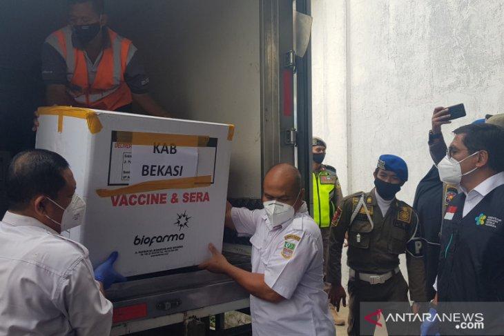 12.000 dosis vaksin COVID-19 telah tiba di Kabupaten Bekasi (video)