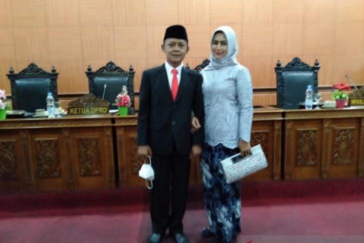DPRD lantik pengganti antar waktu legislator menjadi peserta pilkada