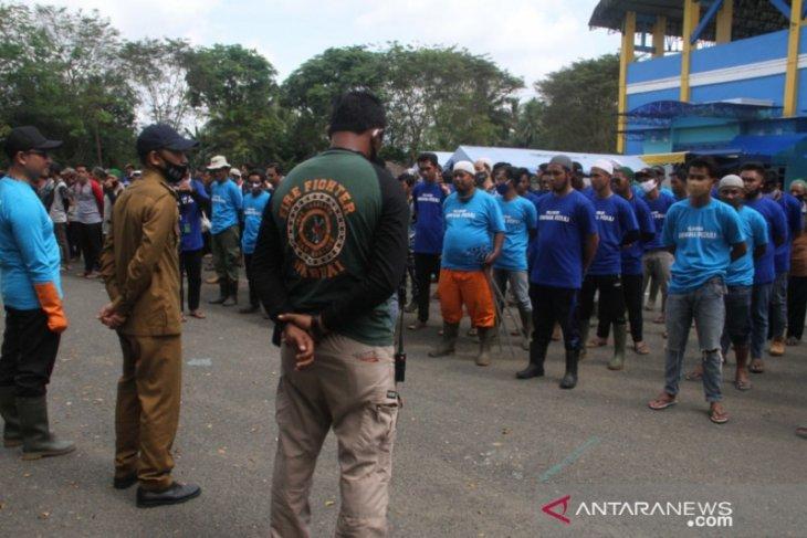 Gabungan relawan Anwaha HST, Tabalong dan Balangan bersihkan sampah di Barabai
