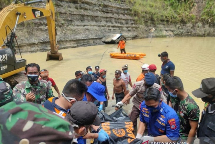 SAR finds two more bodies from Tanbu's mine landslide