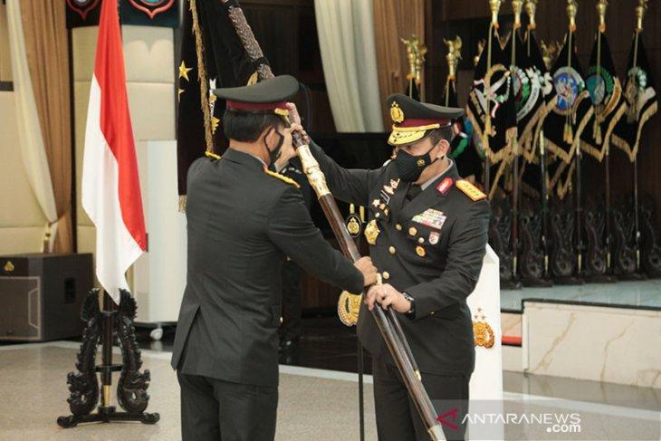 Jenderal Idham ucapkan selamat kepada Jenderal Listyo Sigit sebagai Kapolri