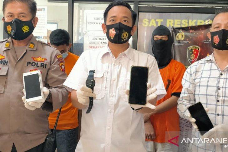 Polres Singkawang tangkap dua pelaku pencurian dengan pemberatan