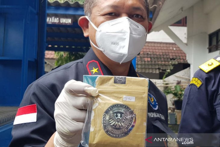 BNN Jateng tangkap pemuda pembeli tembakau Gorila pakai uang pinjaman daring