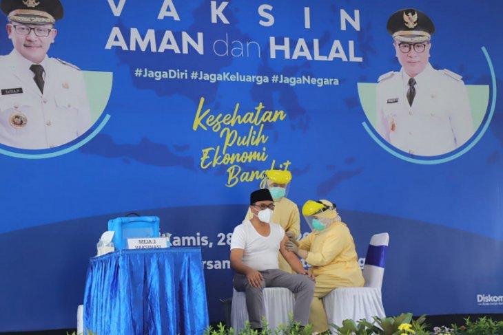 Sebanyak 11 tokoh di Kota Malang  jalani vaksinasi COVID-19