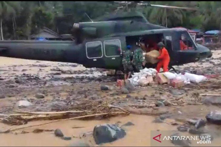 Helikopter TNI AD pasok bantuan Kasad ke Datar Ajab