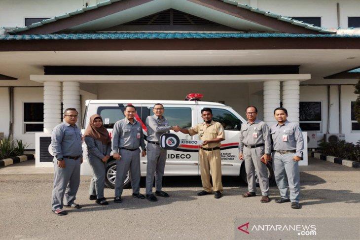 Kideco beri bantuan mobil Ambulance untuk Desa