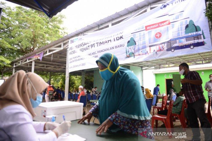 Puluhan Lansia Desa Tanjung Gunung Dapatkan Pelayanan Kesehatan Mobil Sehat PT Timah