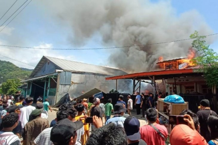 Polisi selidiki penyebab terbakarnya satu unit rumah di Sibolga