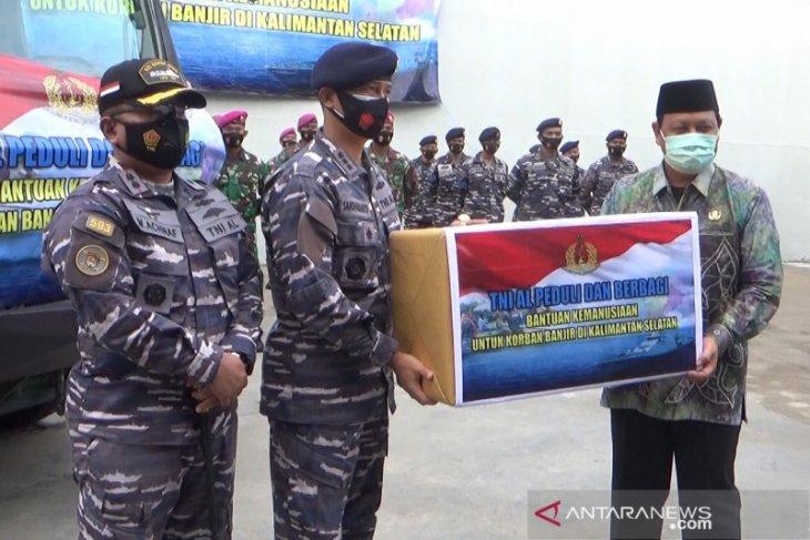 TNI AL kirimkan dua armada dapur lapangan tangani korban banjir Kalsel
