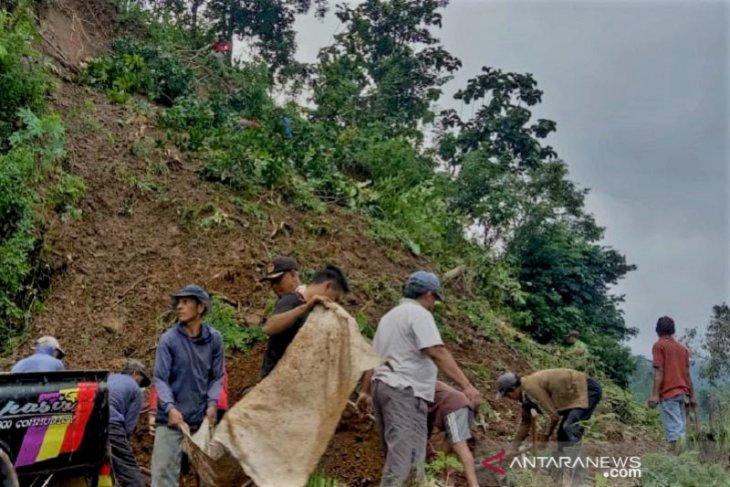 Bencana longsor landa Jepara