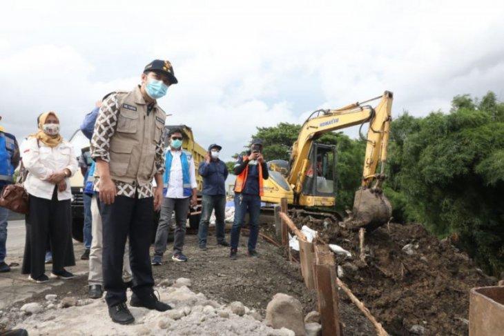 Perbaikan jalan ambles Tol Surabaya-Gempol diperkirakan selesai 7 Februari 2021