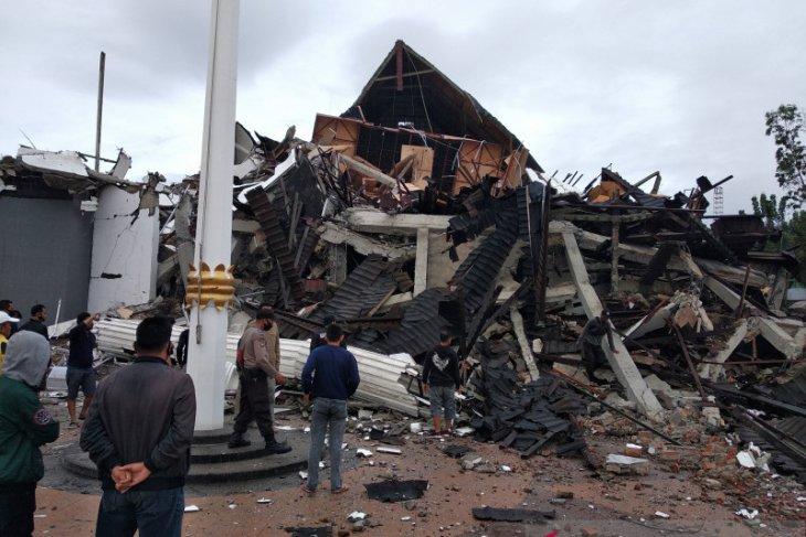 Gempa Majene meluruh, warga bisa kembali ke rumah