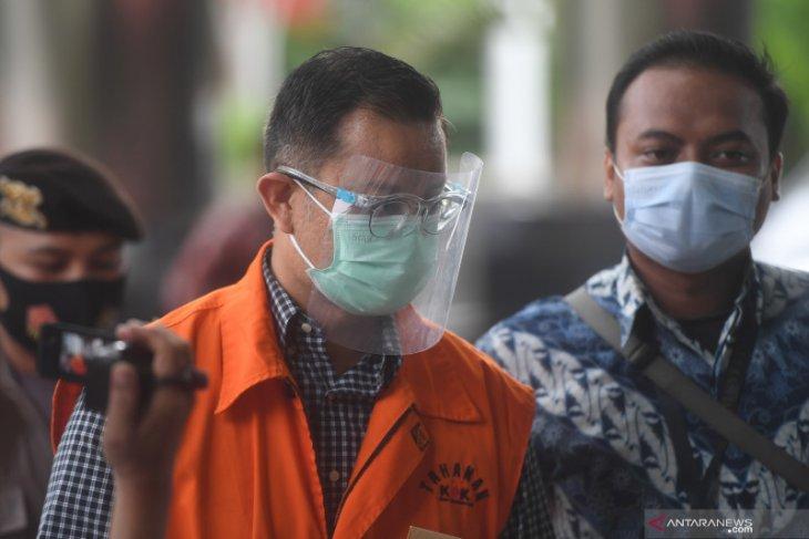 KPK perpanjang penahanan mantan Menteri Sosial Juliari Batubara