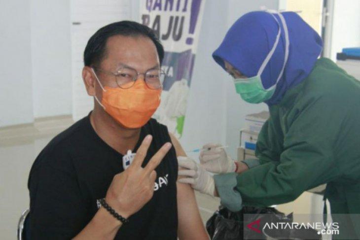 Wabup Belitung terima suntikan dosis kedua vaksin COVID-19
