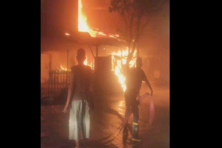 Satu unit ruko terbakar di Sibolga dini hari tadi