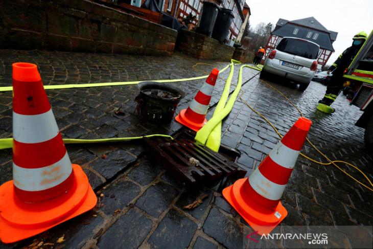 Eropa banjir, sedikitnya 33 orang tewas