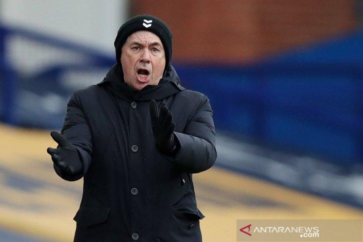 Ancelotti tegaskan Everton masih bisa masuk zona Eropa