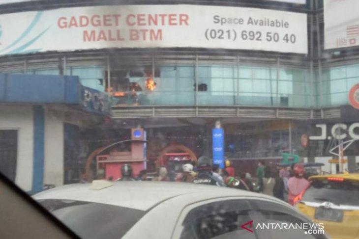 Mall BTM Bogor terbakar, pengunjung sempat berhamburan